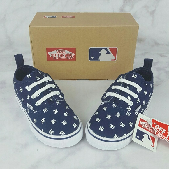 3f3b9dd647 Vans Toddler MLB NY Yankees Navy Authentic Shoes!